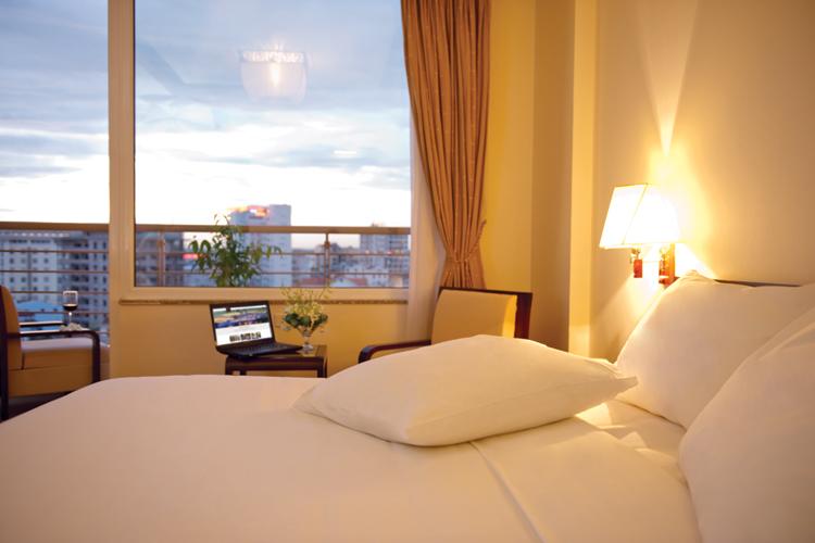 Honeymoon Suite-1