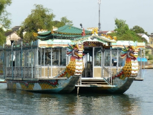 Hue Dragon Boat